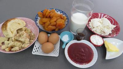 Ingrédients pour la recette : Pain perdu aux abricots