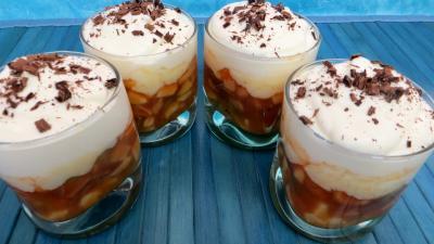kaki : Verrines de mousse au chocolat blanc et fruits
