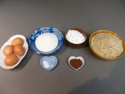 Ingrédients pour la recette : Amarettis au chocolat