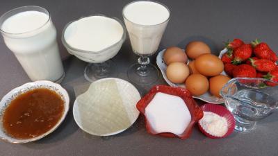Ingrédients pour la recette : Crème bavaroise aux fraises