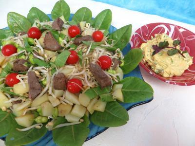 Image : Plat de salade en sauce verte