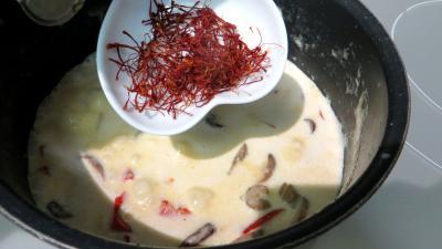 Nouilles chinoises à la crème de safran - 4.3