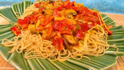 poivre noir : Plat de nouilles chinoises à la crème de safran