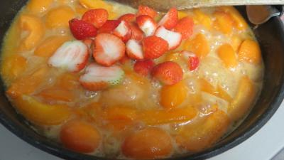 Abricots et fraises à la crème de miel - 3.3