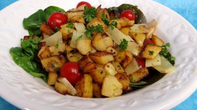pique nique : Saladier de pommes de terre en salade