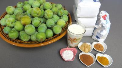 Ingrédients pour la recette : Confiture de prunes aux épices