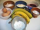 Ingrédients pour la recette : Gâteau aux bananes et crème aux airelles