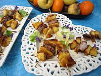 Entrecôte de boeuf : Plat de brochettes de boeuf sucrées-salées