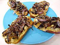 Recette Croûtes à la mozzarella et aux oignons