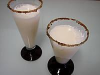 cocktail : Verres de cocktail gin et lait d'amande