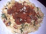 purée de tomate : Assiette de tagliatelles aux aubergines