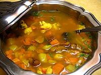 langouste : Soupière de soupe de queues de langoustes