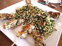 Cuisson au grill : Plat de brochettes de poulet au sucre façon créole