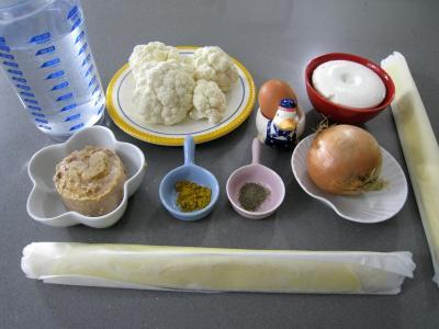Ingrédients pour la recette : Chaussons au chou-fleur et au thon