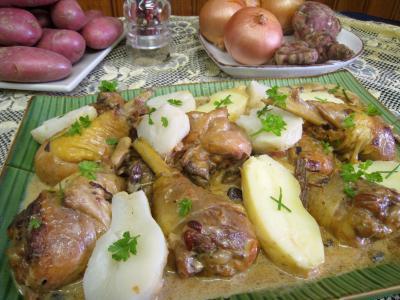 recettes avec garniture : Assiette de service d'abatis et pilons en blanquette