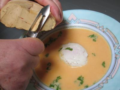 Velouté de carottes au foie gras et son oeuf mollet - 10.1