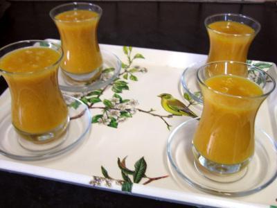 mangue : Verres de boisson à la mangue et au gingembre