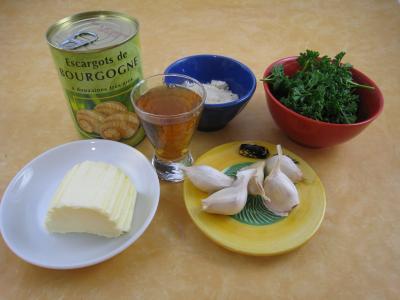 Ingrédients pour la recette : Escargots à l'anis et aux amandes