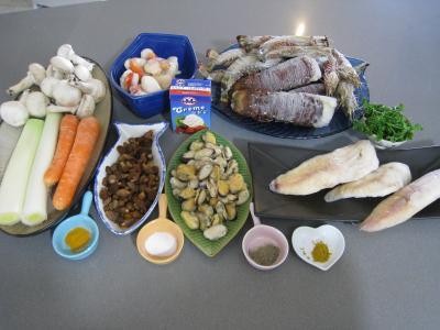 Ingrédients pour la recette : Soupe de crustacés et de lotte