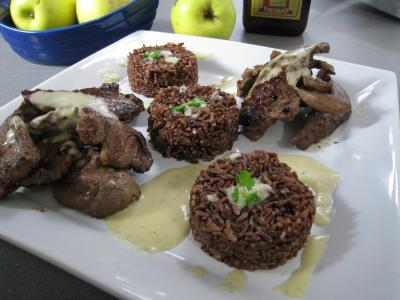 Recette Assiette de service d'aiguillettes de canard gras au coulis de pomme