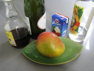Ingrédients pour la recette : Punch au cidre et à la mangue