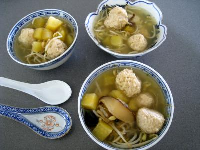 Image : recette Potage chinois aux boulettes de poulet