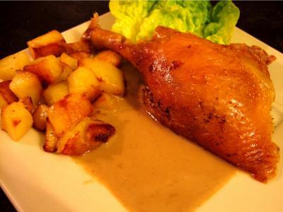 abats de volaille : Assiette de canard sauce au foie