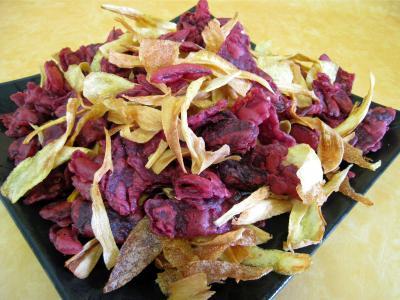 Recette Assiette de chips pommes de terre, panais et betteraves rouges