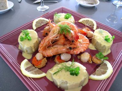 Image : Crevettes flambées et sa sauce au citron et sa purée de fenouil