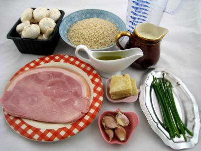 Ingrédients pour la recette : Risotto aux champignons et au jambon à l'Italienne