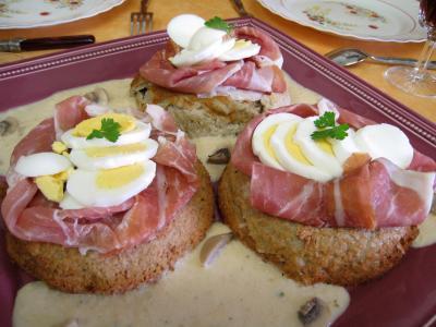 jambon cru : Gâteaux de Pâques aux champignons et au jambon de Parme