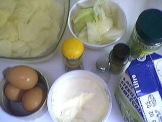 """Ingrédients pour la recette : Pommes de terre en gratin façon """"Bayenne"""""""