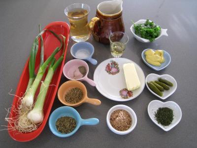 Ingrédients pour la recette : Sauce sainte-Ménéhould à la tomate