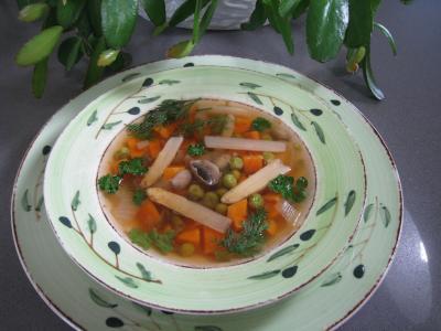 oignon vert : Assiette de minestrone aux asperges