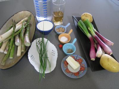 Ingrédients pour la recette : Crème d'ognasses et d'asperges façon landaise