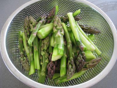 Sauté d'asperges aux oignons et poivron - 4.4
