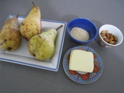Ingrédients pour la recette : Verrines de poires aux noix de cajou et aux amandes