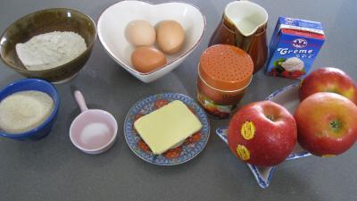 Ingrédients pour la recette : Flamusse ou flan aux pommes façon bourguigonne