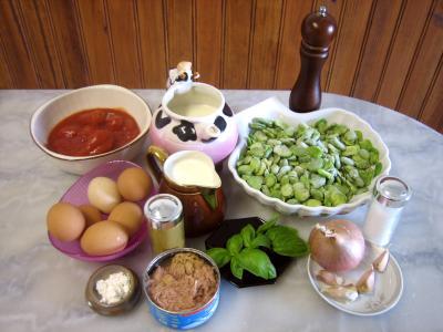 Ingrédients pour la recette : Clafoutis aux fèves et au thon