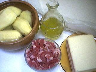 Ingrédients pour la recette : Aumônières aux pommes de terre et coulis de banane