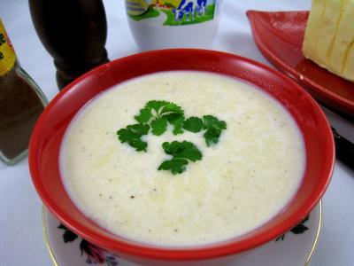 sauce chaude à base de lait : Sauce béchamel à la fourme d'Ambert