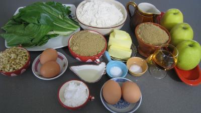 Ingrédients pour la recette : Tourte de blettes à la niçoise