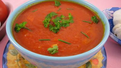 Cuisine sicilienne : Bol de sauce tomates sicilienne