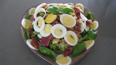 Brocolis aux oeufs en salade - 7.4