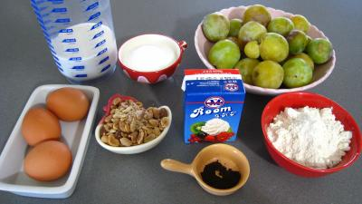Ingrédients pour la recette : Clafoutis aux mirabelles et aux cacahuètes