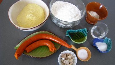 Ingrédients pour la recette : Pain au chorizo à la portugaise (pao de milho)