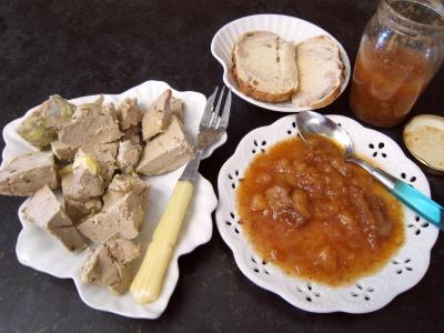 figue sèche : Assiette de chutney aux bananes et aux figues
