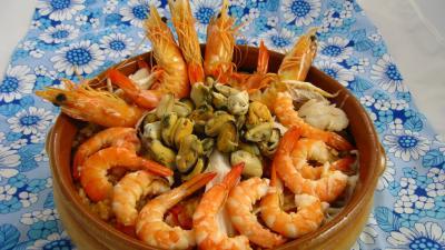 Cuisine du Portugal : Plat de riz, crevettes, moules et raie