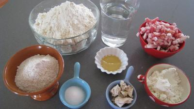 Ingrédients pour la recette : Pain aux lardons