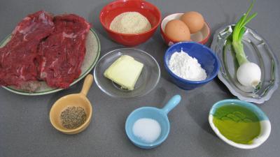 Ingrédients pour la recette : Boulettes de viande façon Allemande